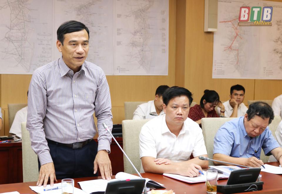 Đồng chí Đặng Trọng Thăng, Phó Bí thư Tỉnh ủy, Chủ tịch UBND phát biểu tại hội nghị.
