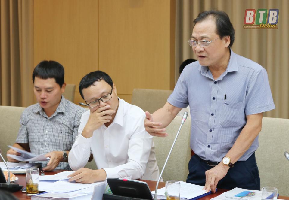 Các đại biểu thảo luận, phản biện một số nội dung của Đồ án Quy hoạch chung xây dựng Khu kinh tế Thái Bình.